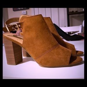 Express suade heels never been worn! Brand new!!